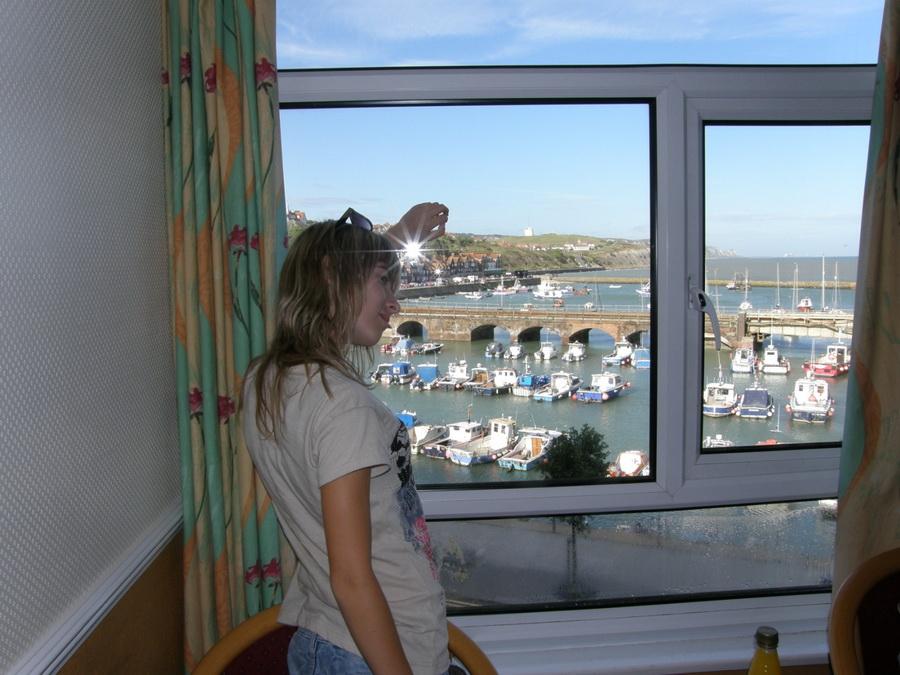 Вид из окна гостиницы на Ламанш