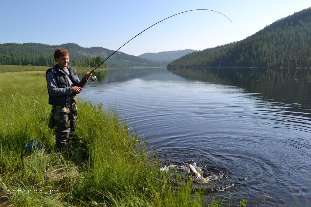 лучшее место рыбалки на алтае