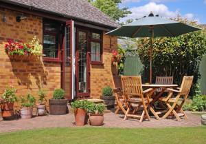 Отдых в загородном доме в саду лучше всякого путешествия